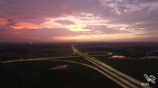 Sunset in a Toll Road | Aide Photography