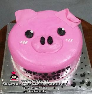 Kue Tart Kepala Babi Lucu