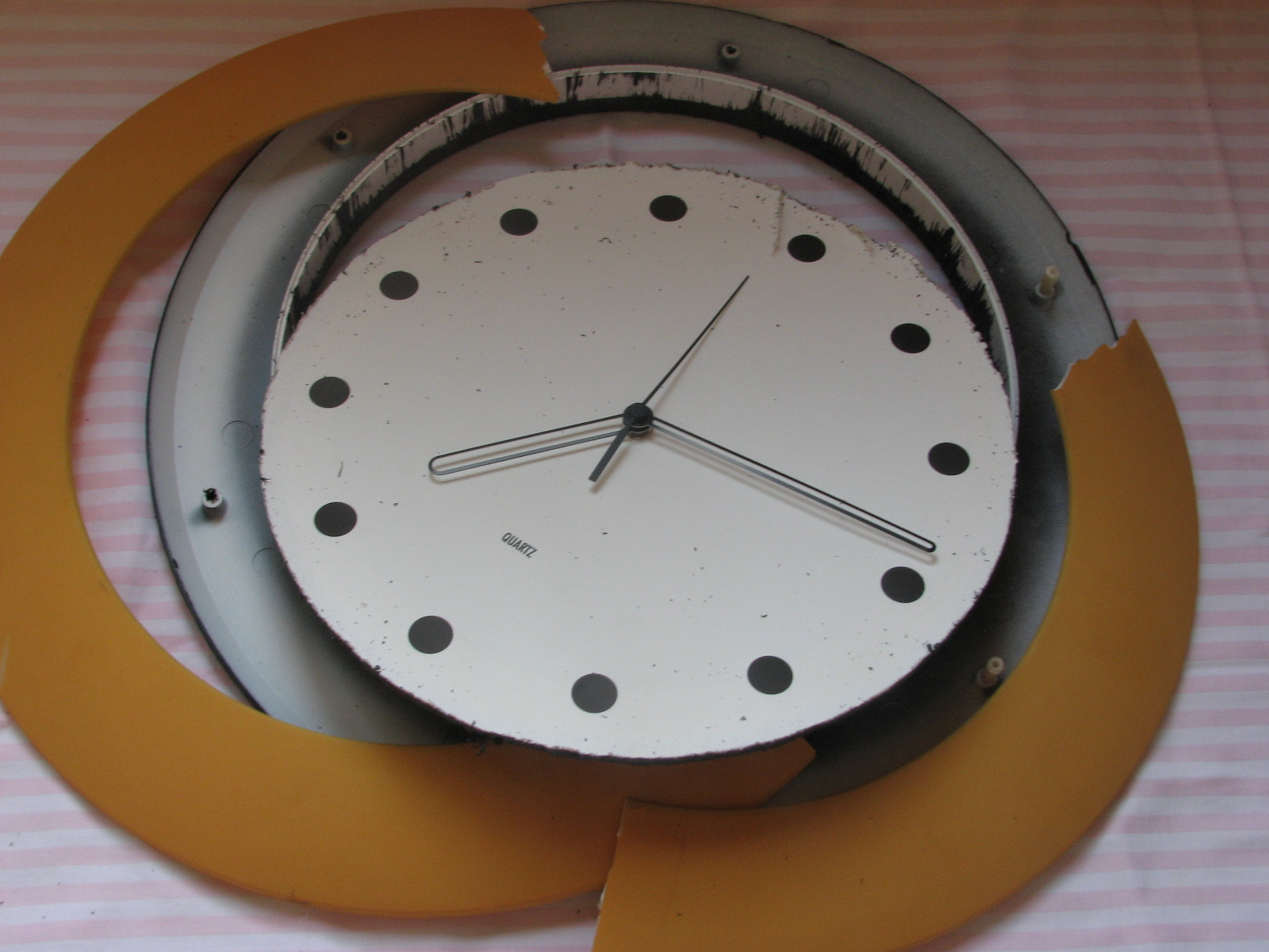 bazooka crafts death star clock. Black Bedroom Furniture Sets. Home Design Ideas