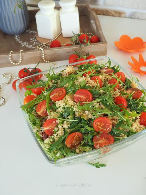 sałatka z szuszonymi pomidorami