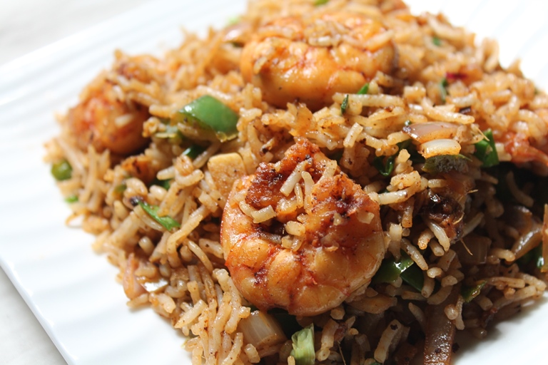 Prawn fried rice recipe shrimp fried rice recipe yummy for Rice recipes for fish