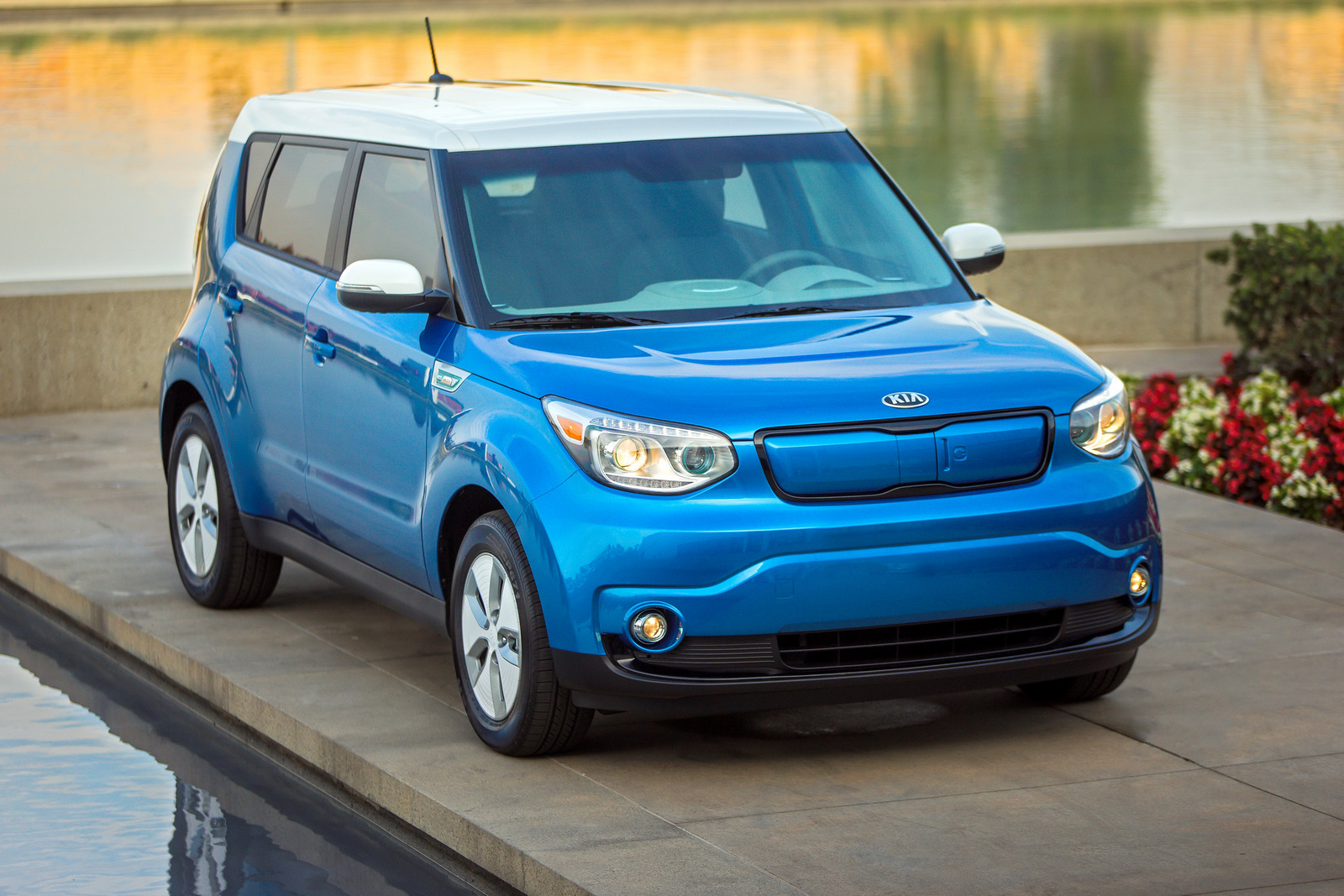 Facelifted Kia Soul EV To Get A Boost In Range | Carscoops