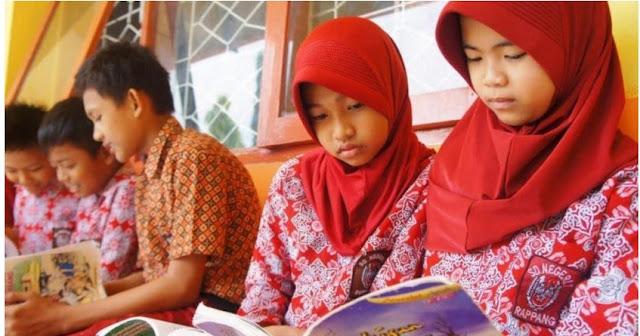 anak-anak yang membaca 50 buku perbulan