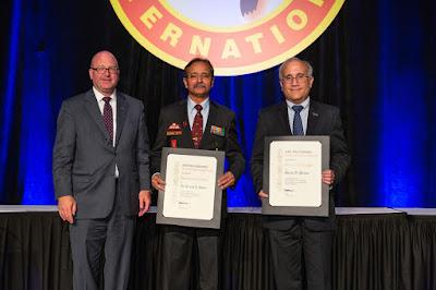 भारतीय मूल के इंजीनियर डा अरविंद सिन्हा को मिला 'एयरोस्पेस इंजीनियर लीडरशिप अवार्ड' पुरस्कार