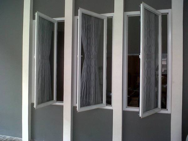 jendela casement aluminium