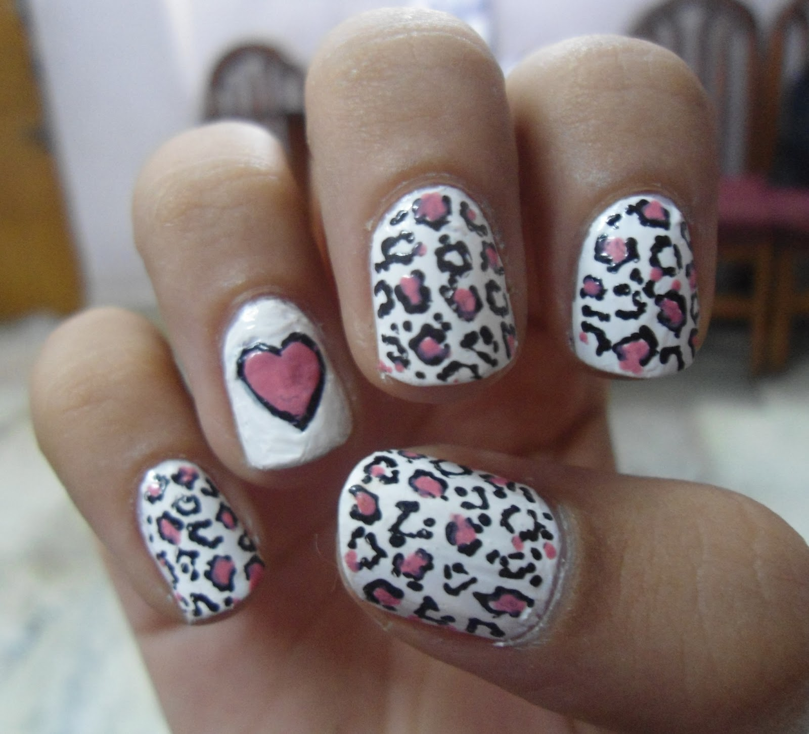 Cute Cheetah Print Nail Design