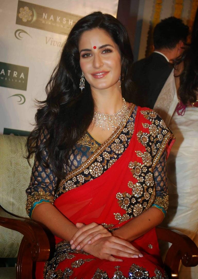 katrina kaif looking gorgeous in red saree