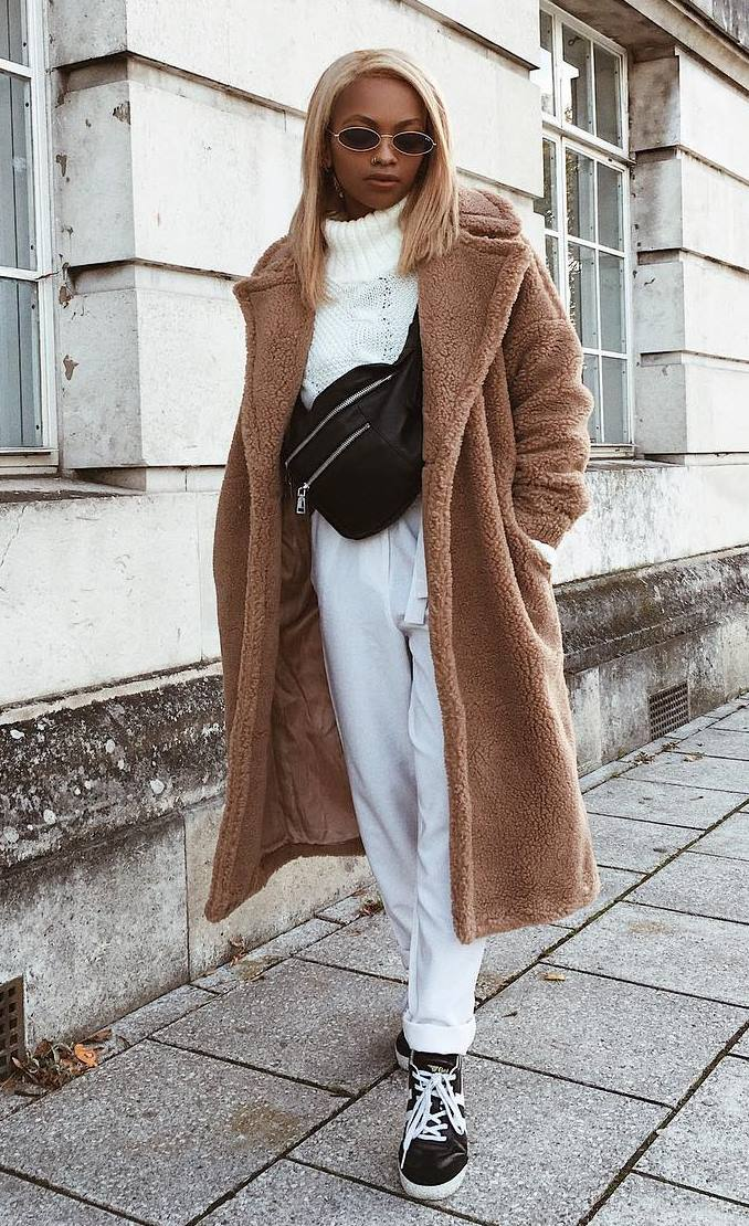 winter trends | fur coat + bag + sweater + sneakers + boyfriend jeans