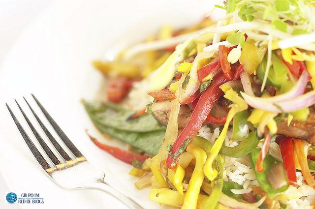 Ensalada de Arroz con Verduras Oriental