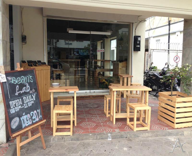 10 Desain Cafe Mini Outdoor Pinggir Jalan Sederhana Dan