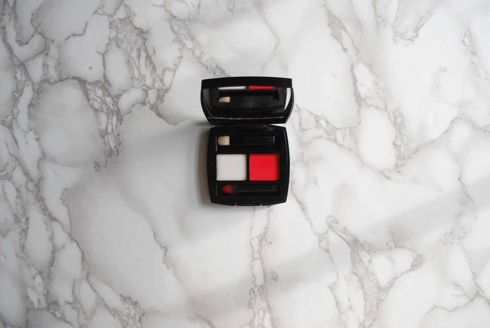 the no makeup-makeup bold lip: chanel lip powder duo review