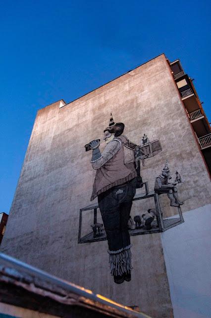 New Street Art Mural By Daniel Munoz SAN on the streets of Madrid, Spain. 2