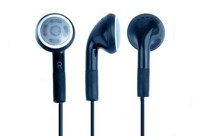 headset earphone earbuds bentuknya besar