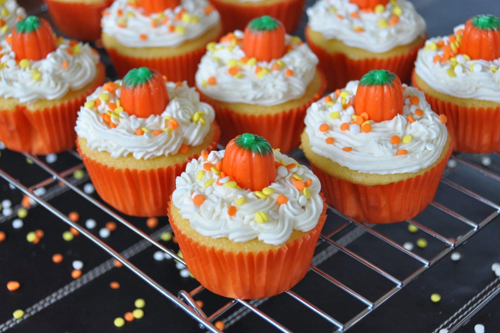 Hd wallpapers blog halloween pumpkin cupcakes - Halloween decorations for cupcakes ...