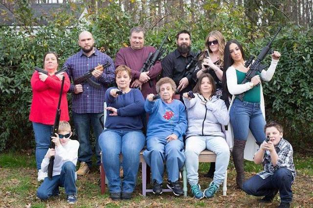 Familia con armas