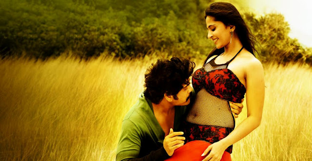 Anushka is getting kissed on her hot navel