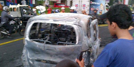 Sulit Diderek, 3 Mobil Tabrakan Di Bintaro Jadi Tontonan Warga