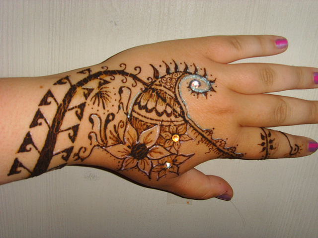 Cool Mehndi Designs: Beautifulmehndidesigns: Cool -Mehndi-Design-For-Hands