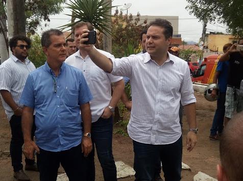 Pela quinta vez,  governador Renan Filho visita Delmiro Gouveia para assinar ordem de serviços