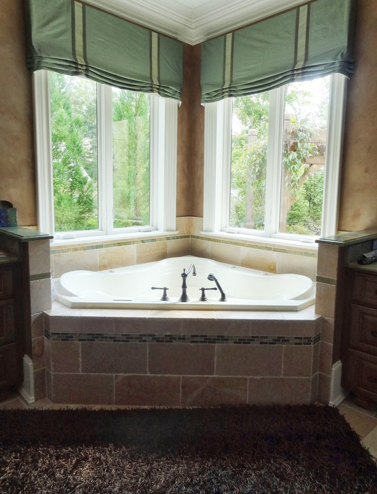 How To Update My Master Bathroom With Rugs Valances Paint And