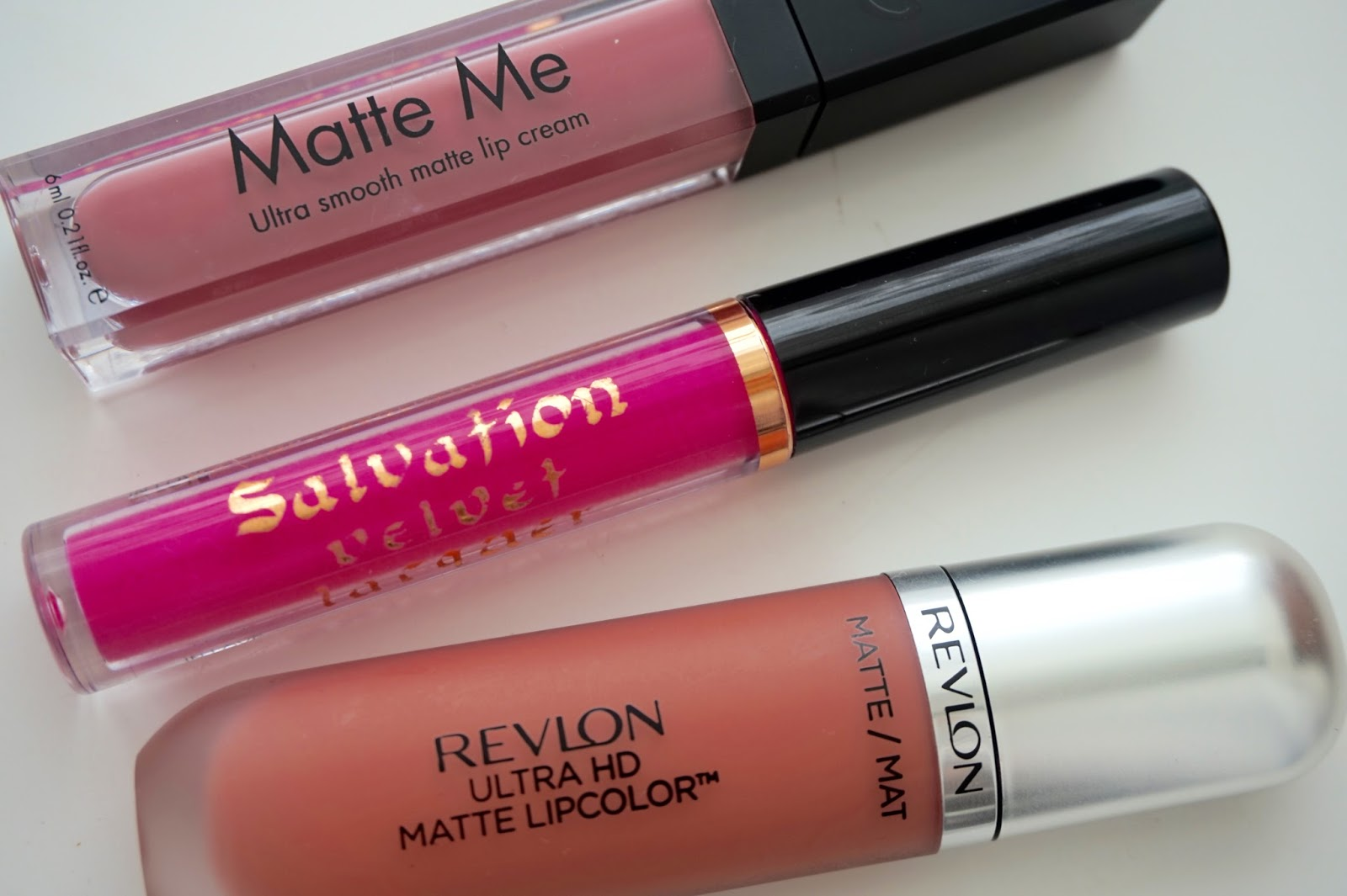 Liquid Matte Lipsticks are ALL of the rage these days. Thanks to Miss Kylie Jenner, girls are going absolutely crazy for any kind of matte liquid lipstick.