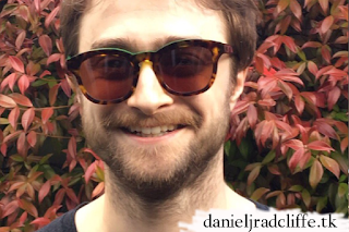 Daniel Radcliffe donates spectacles for Warrington BSL signing choirs' Rock 'n' Roll shades charity auction