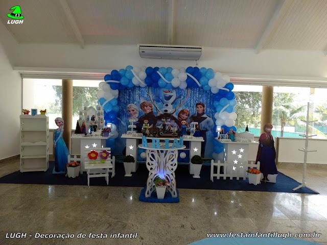 Tema infantil Frozen em decoração de mesa provençal