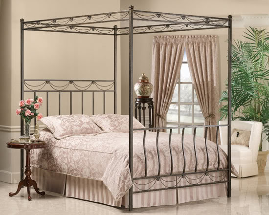 Antique Furniture and Canopy Bed: Canopy Bed Drapes