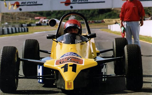 Reynard FF89 at Jerez - 1993) 6th in the Championship