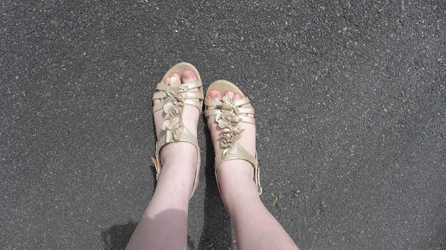 sandales clark's