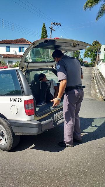 POLÍCIA MILITAR EFETUA PRISÃO EM FLAGRANTE POR FURTO À RESIDÊNCIA EM REGISTRO-SP