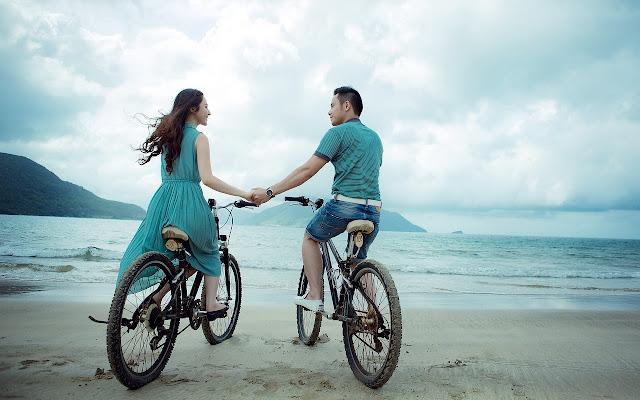 https://pixabay.com/pt/casal-praia-amor-f%C3%A9rias-ver%C3%A3o-955926/