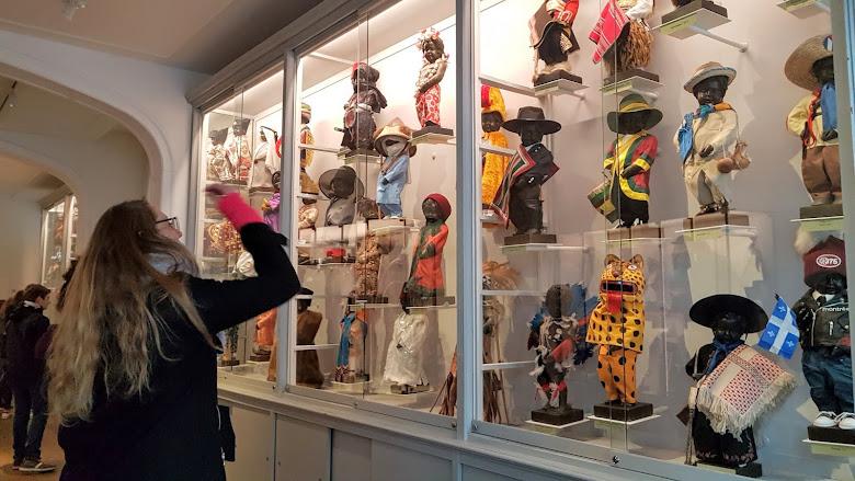 小童的微型博物館,各式服裝展示