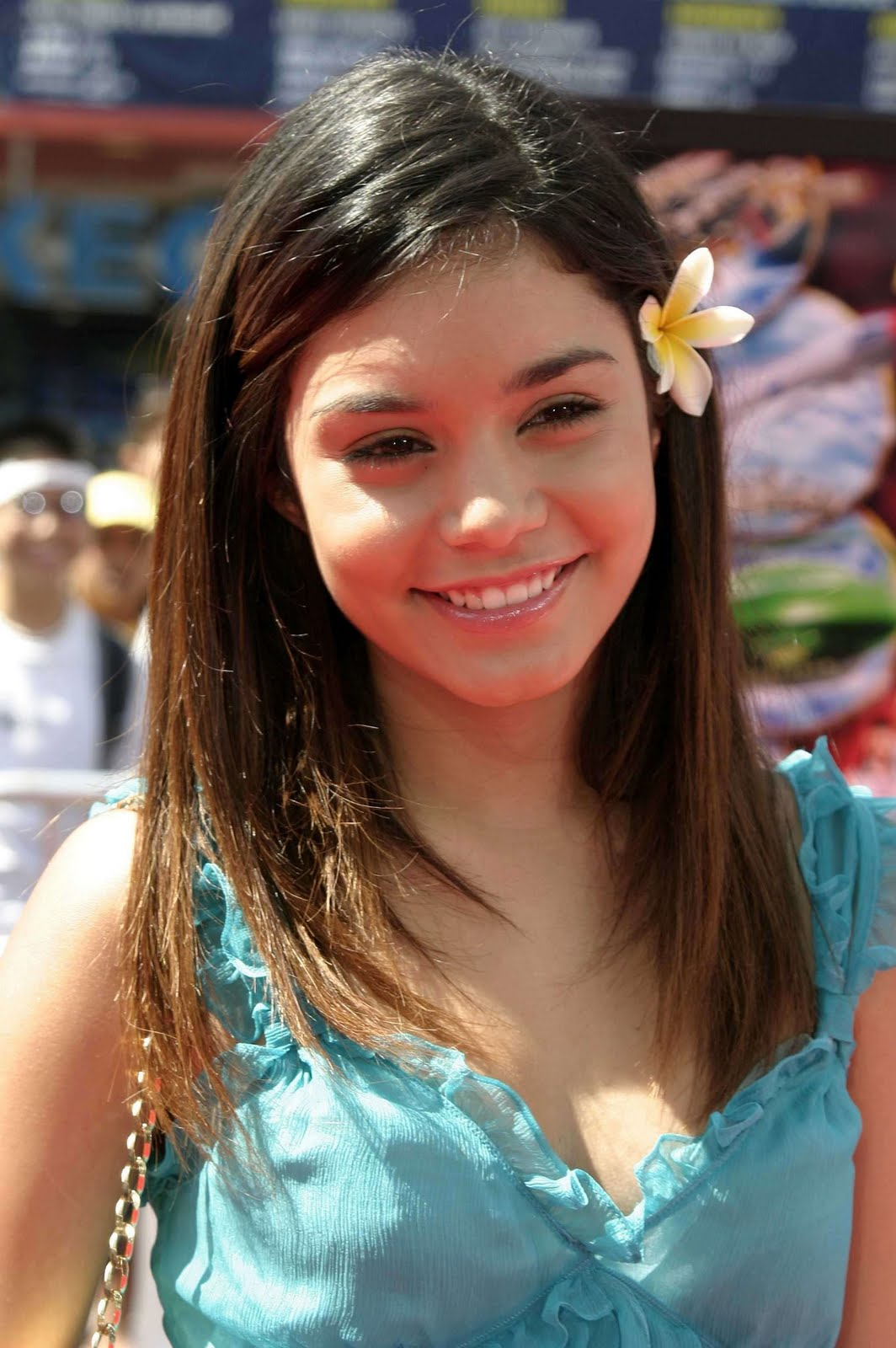 Pictures Of Vanessa Hudgens Naked 13