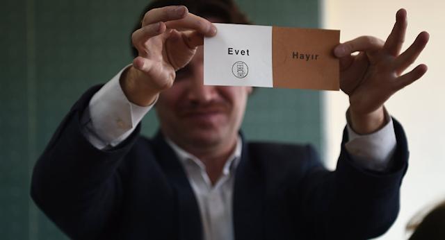 akademi dergisi, Mehmet Fahri Sertkaya, referandum, çiğdem toker, Recep Tayyip Erdoğan, yskakp'nin gerçek yüzü, ysk, evet, hayır, yolsuzluk ve usulsüzlükler,