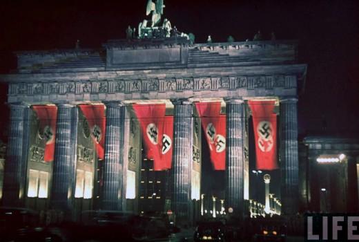 Razor 3d Wallpaper The Colour Of The Nazi Flag Vintage Everyday