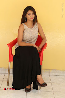 Tollywood Upcoming Actress Arthi Stills in Black Skirt at Plus 1 Movie Trailer Launch  0109.JPG