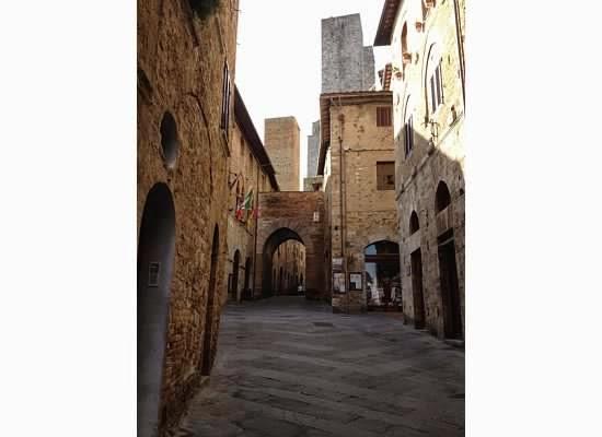 San-Gimignano-Tuscany-Glam-Italia-Tour-14