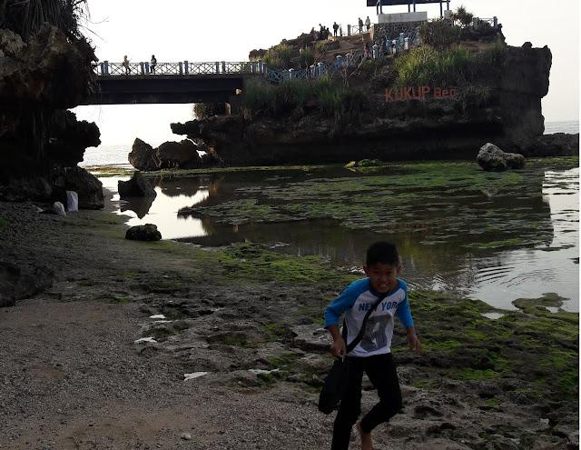 Pantai Kukup Jogjakarta