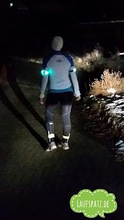 Laufen im Winter Sicherheit hell Kleidung Ausrüstung