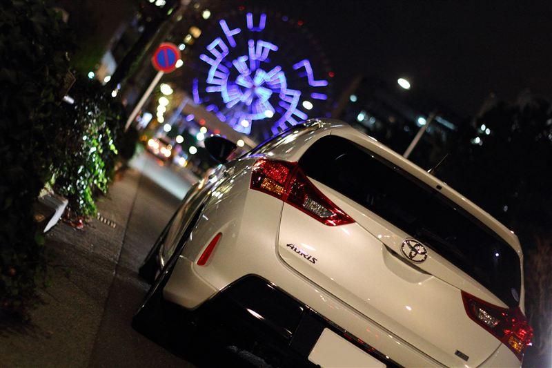 Toyota Auris, zdjęcia samochodów w nocy