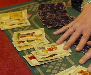 Les Secrets du Tarot  INITIATION À LA LECTURE DU TAROT 91adfa9fd6d4