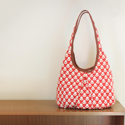 http://noodle-head.com/product/runaround-bag-pdf-pattern-2
