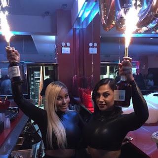 http://nightclubsuppliesusa.com/champagne-bottle-sparklers/