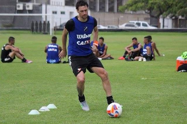 Experiente, zagueiro Gustavo Bastos, do ABC, está próximo de conquistar mais um acesso na carreira