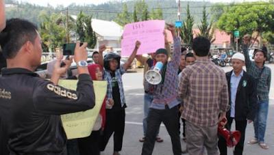 ISIS: Syariat Islam di Aceh Jangan Berlaku untuk Kelas Bawah saja