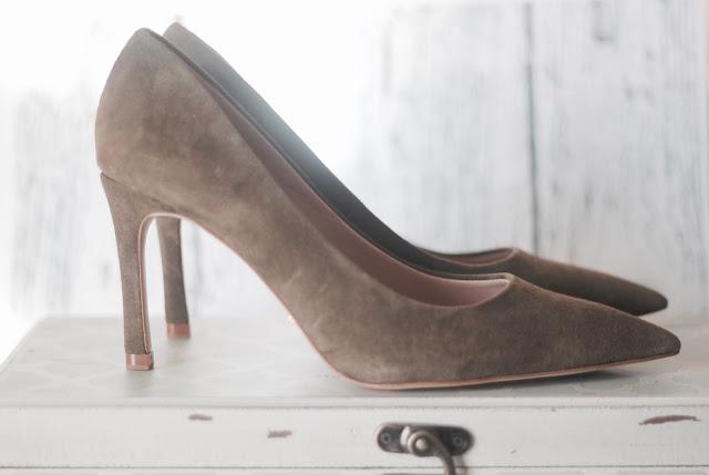 photo-zapatos-uterque-ante-kakhi