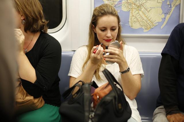 Los hábitos femeninos que a los hombres les da asco