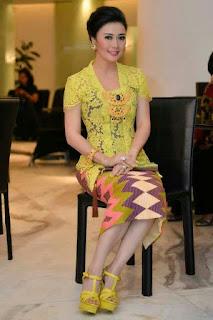 Kebaya Bali Modern Elegan