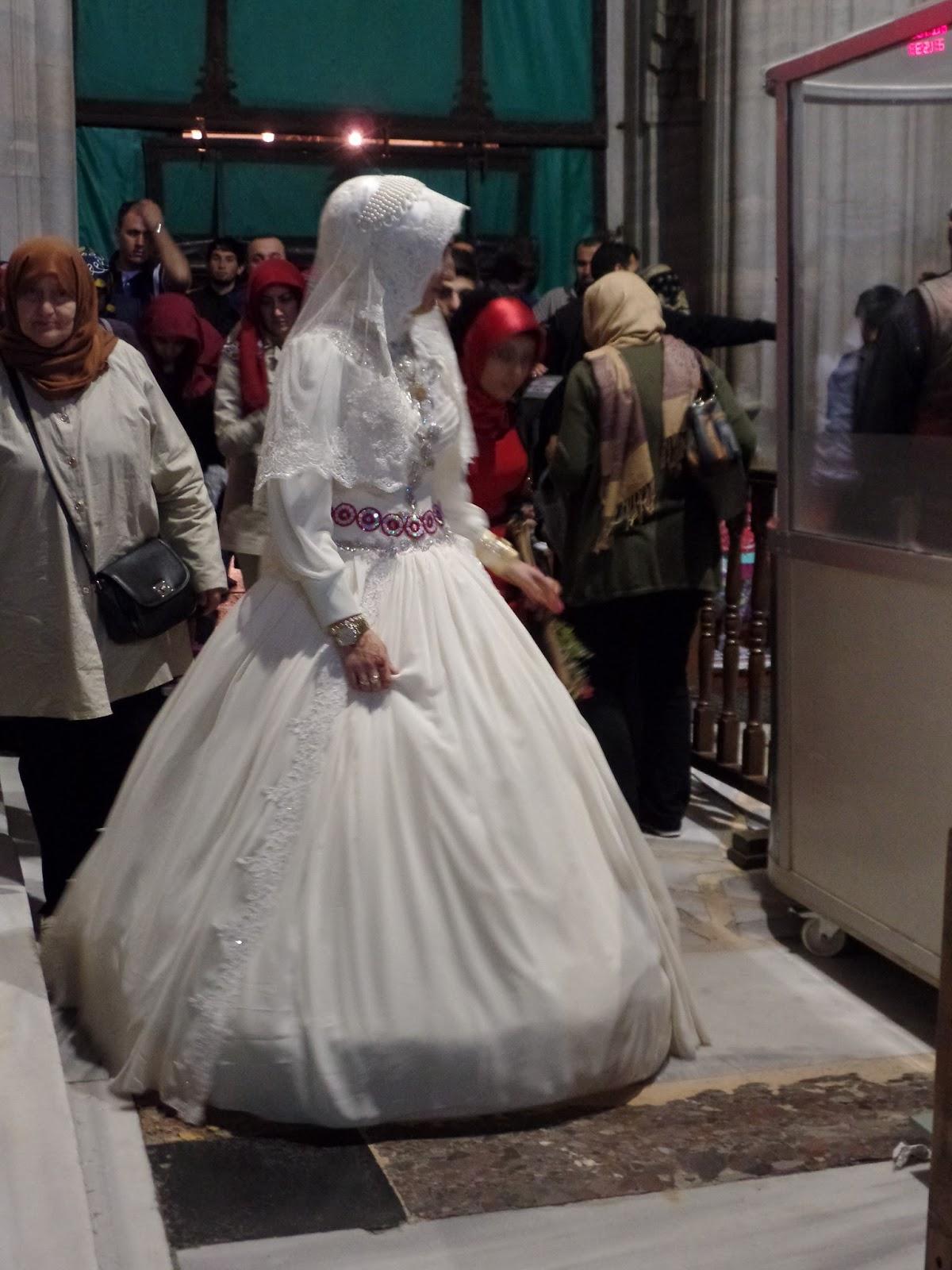 Turcja Okiem Nieobiektywnym Turecki ślub W Odcieniach Czerwieni